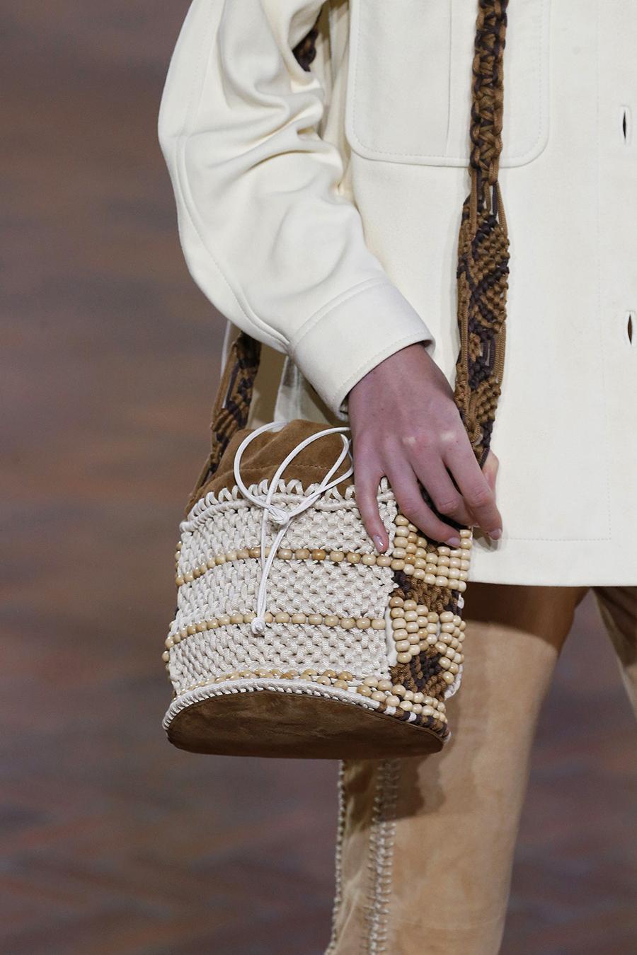 модная женская сумка лето 2021 клатч тоут шоппер пауч вязаная макраме белая бежевая коричневая