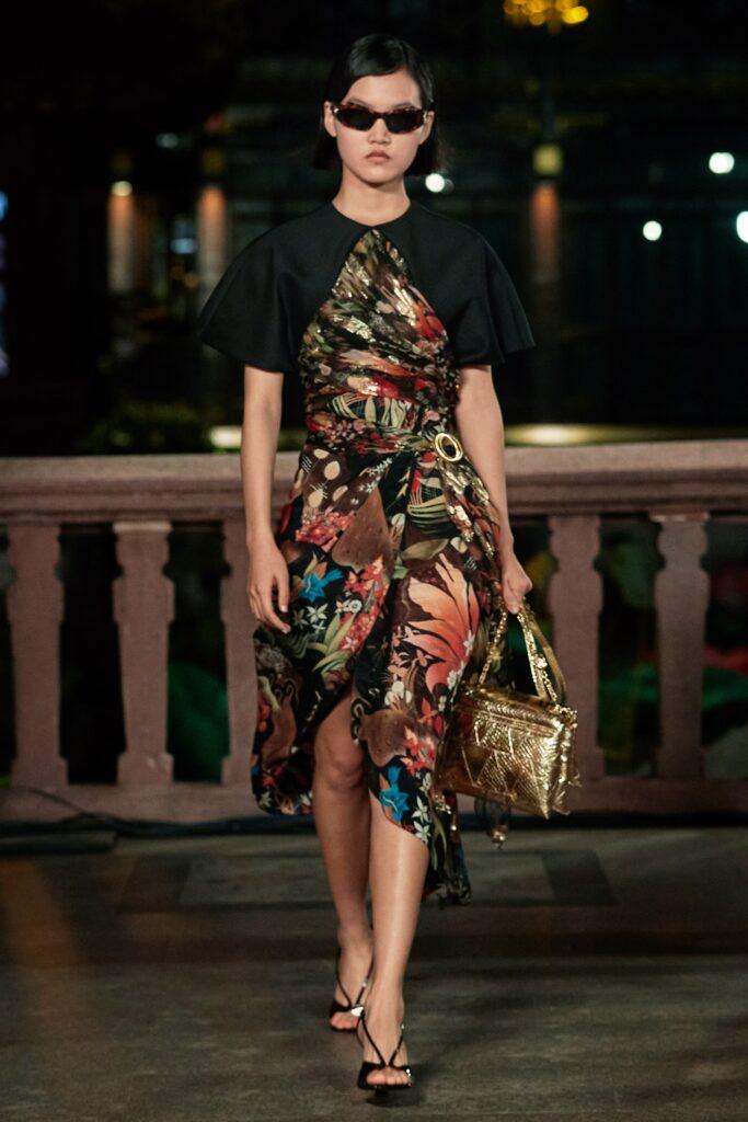модные цветочные платья