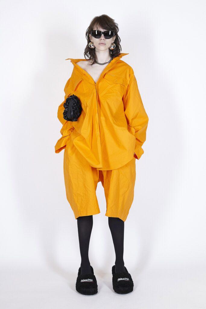 модная рубашка на лето 2021 маскулинная мужская оверсайз оранжевая