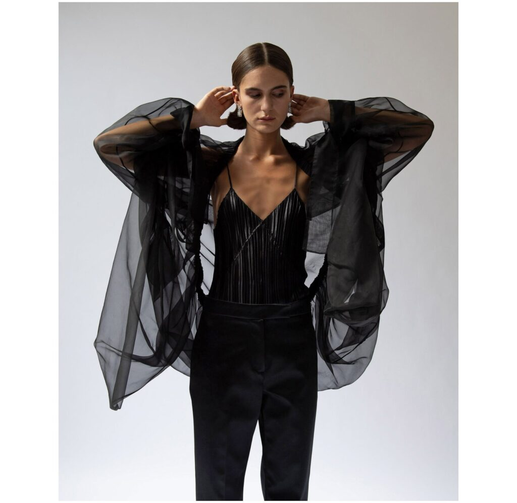 модная рубашка на лето 2021 маскулинная оверсайз черная прозрачная