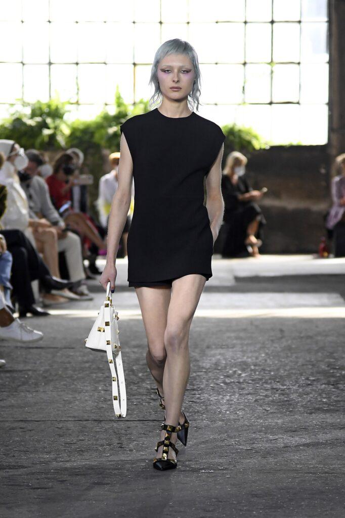 маленькое черное платье короткое мини узкое