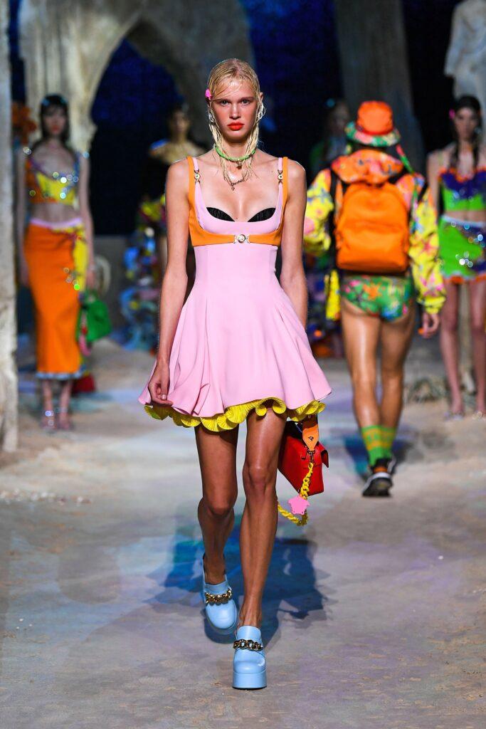 модное платье кукольное беби долл baby doll короткое пышное лето 2021розовое