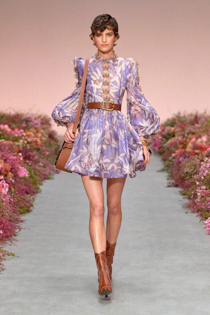 модное платье кукольное беби долл baby doll короткое пышное лето 2021 лиловое цветы