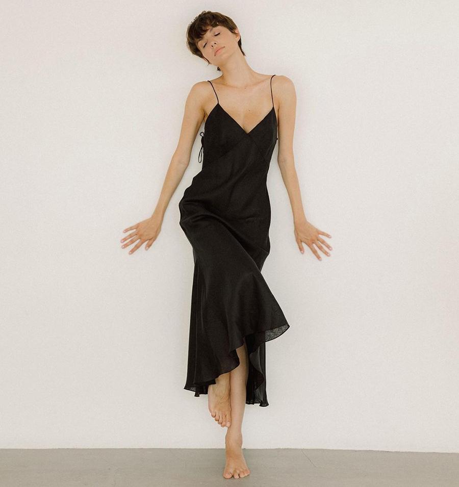 самые модные платья комбинации в бельевом стиле украинские бренды лето 2021 миди льняное сарафан черное