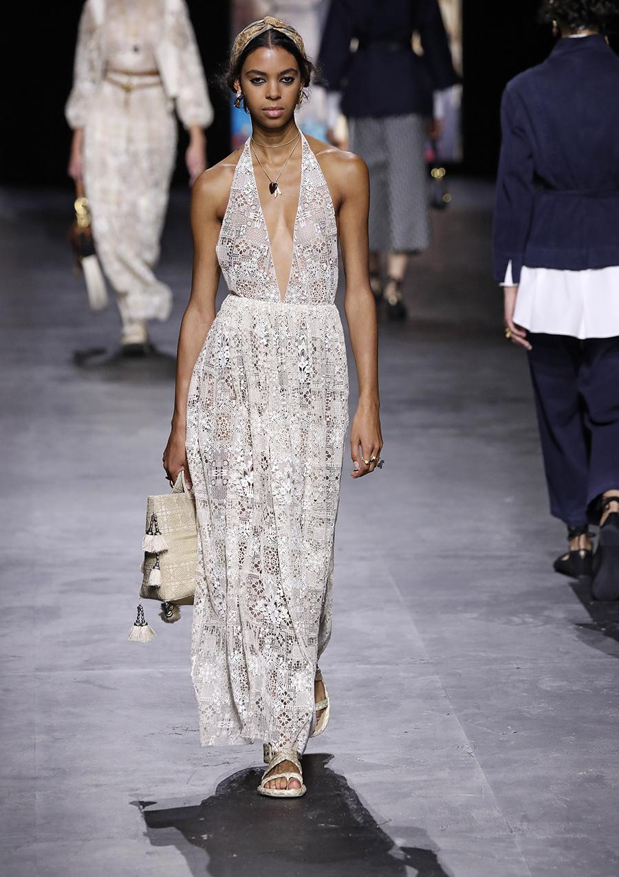 модный сарафан белый лето 2021 тренды что купить в жару макси длинный кружевной