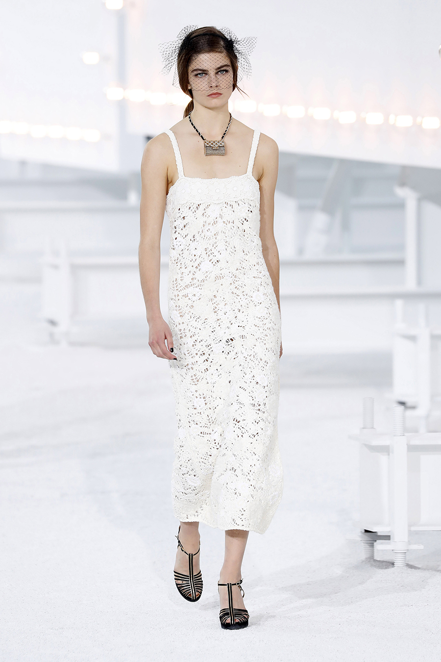 модный сарафан белый лето 2021 тренды что купить в жару миди кружевной