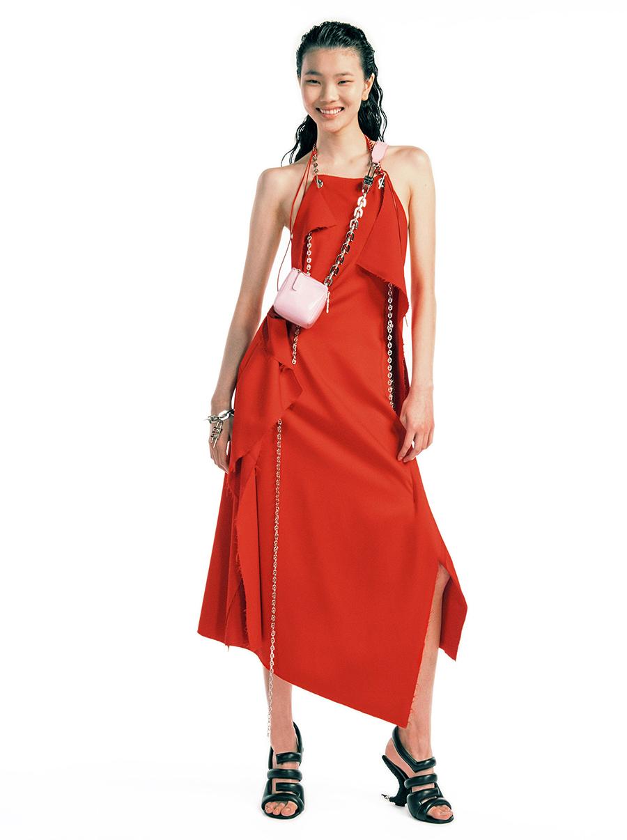 модный сарафан халтер лето 2021 тренды что купить в жару красный асимметричный миди
