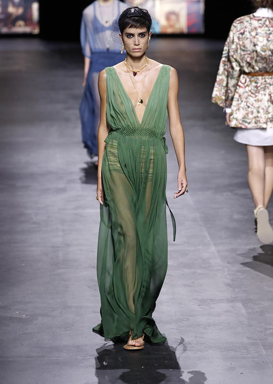 модный сарафан белый лето 2021 тренды что купить в жару длинный макси зеленый