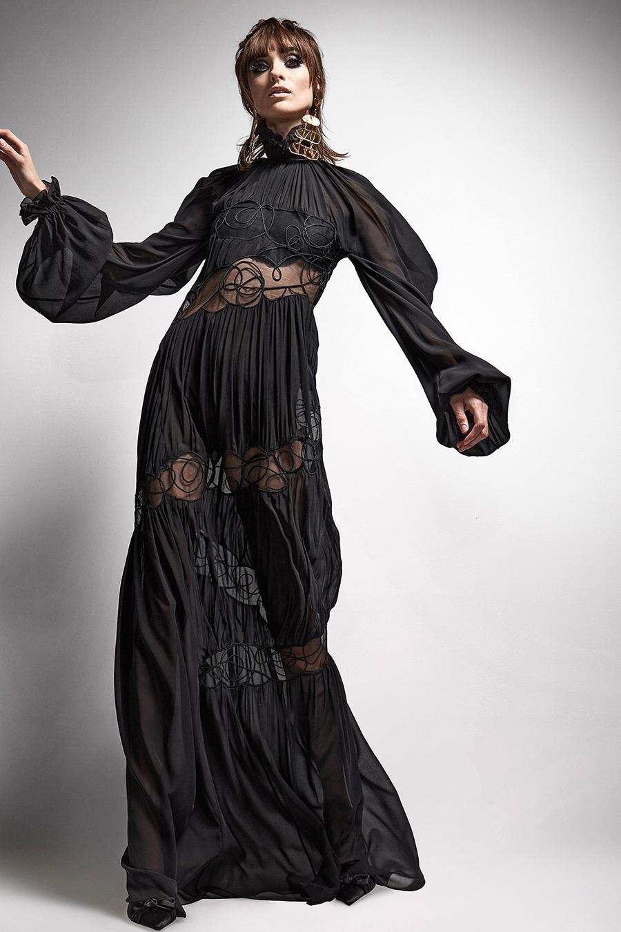 самые модные платья осень зима 2021 2022 прозрачное черное вставки длинное макси