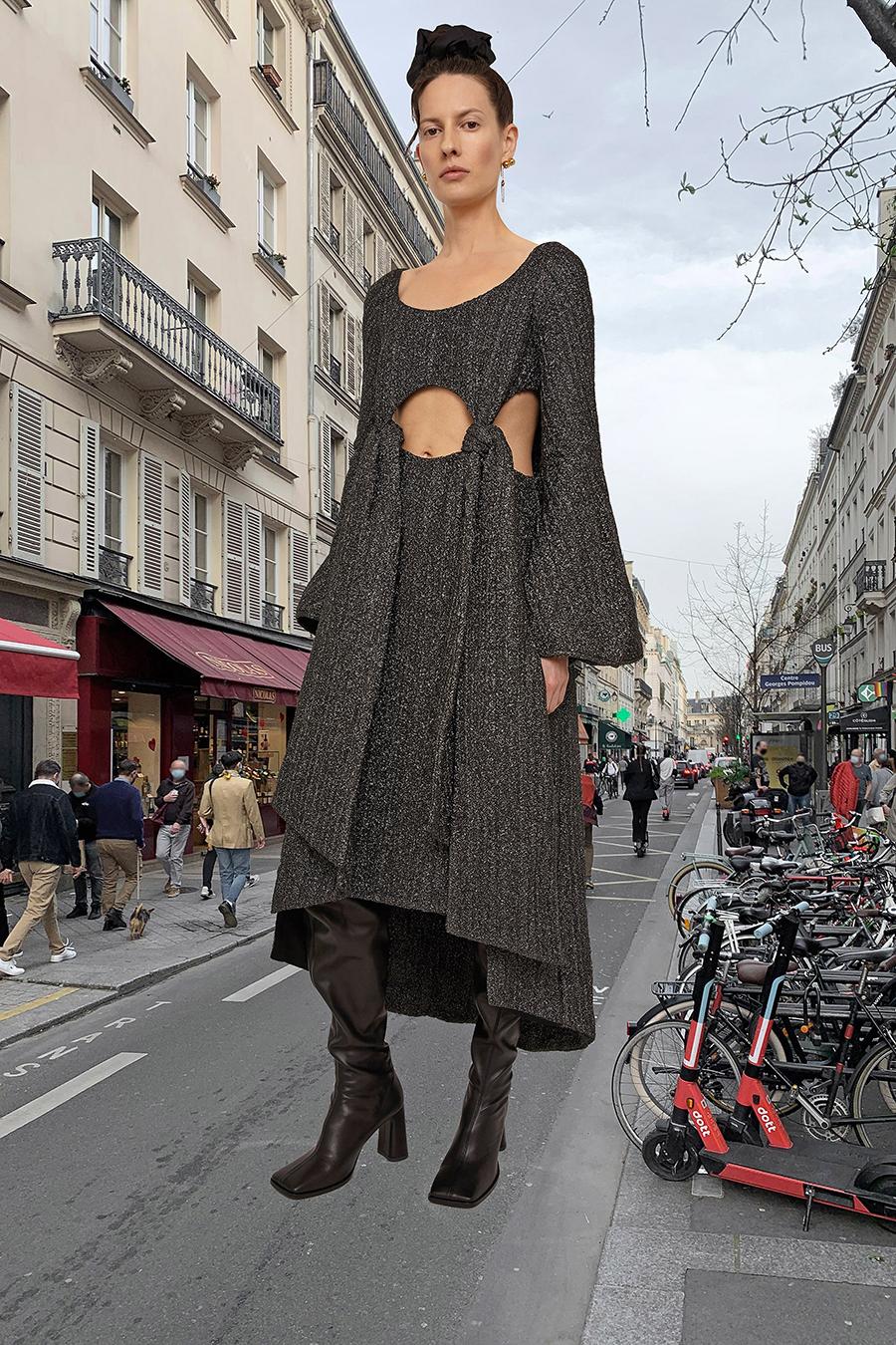 самые модные платья осень зима 2021 2022 с вырезами с люрексом серое коричневое миди