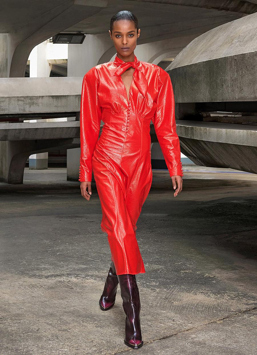 самые модные платья осень зима 2021 2022 кожаное длинное красное миди макси