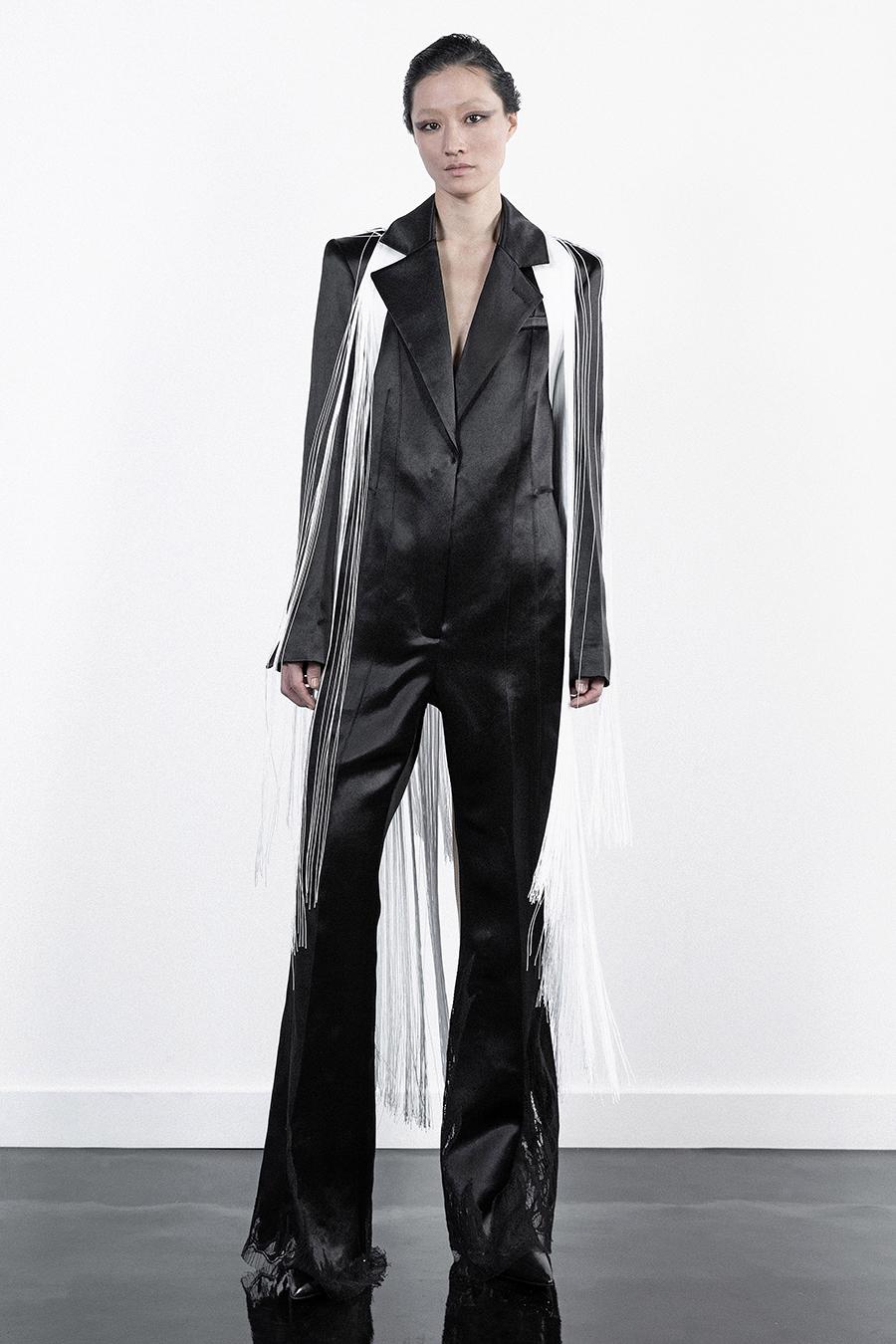 тренды осень зима 2021 2021 бахрома костюм белый черный