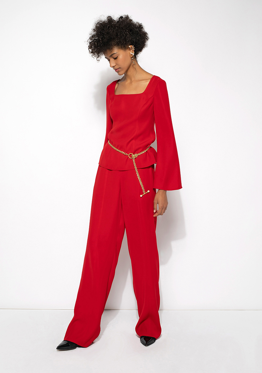 тренды осень зима 2021 2021 красный алый цвет костюм блуза брюки