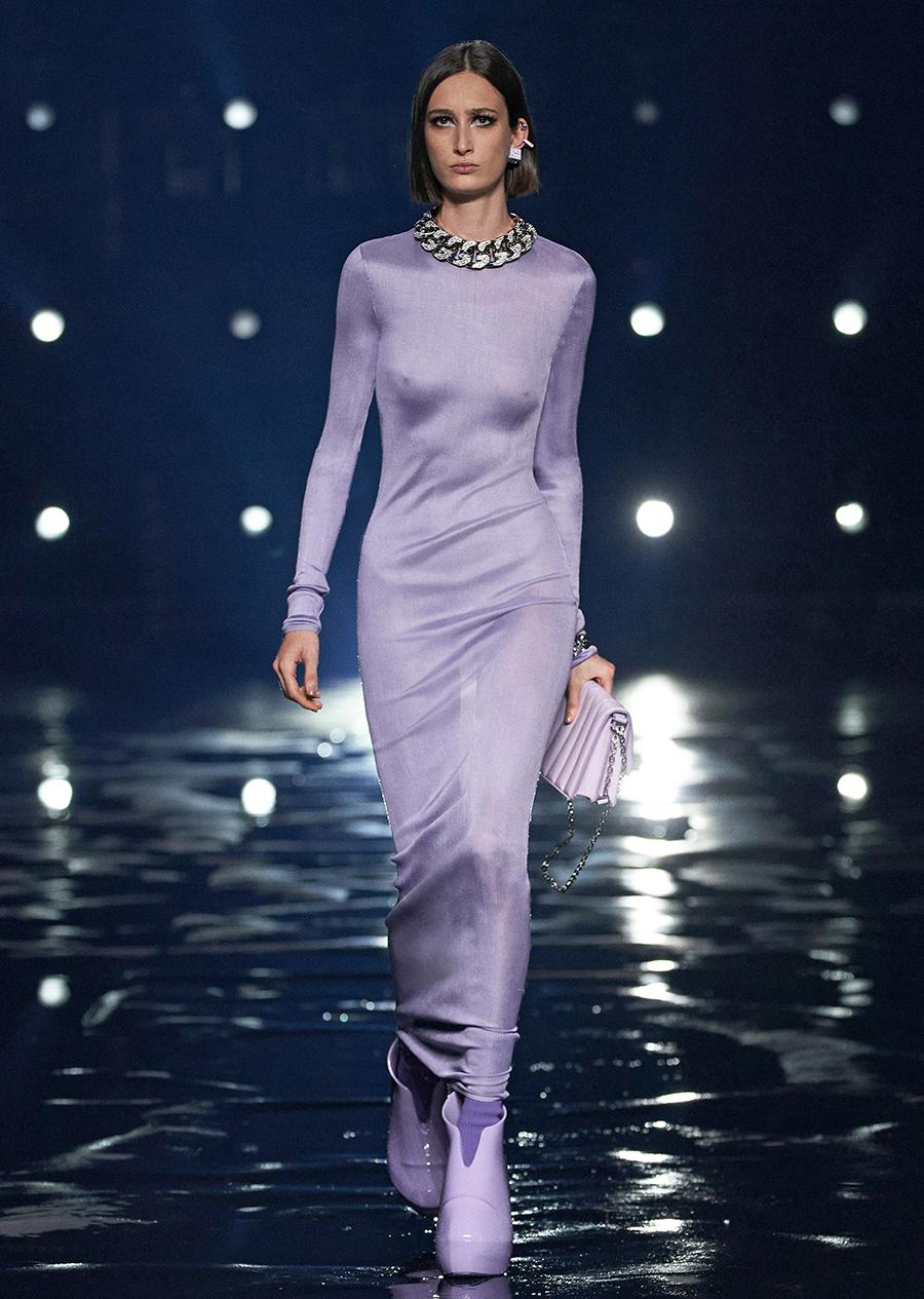 тренды осень зима 2021 2021 лиловый фиаковый сиреневый цвет платье длинное макси