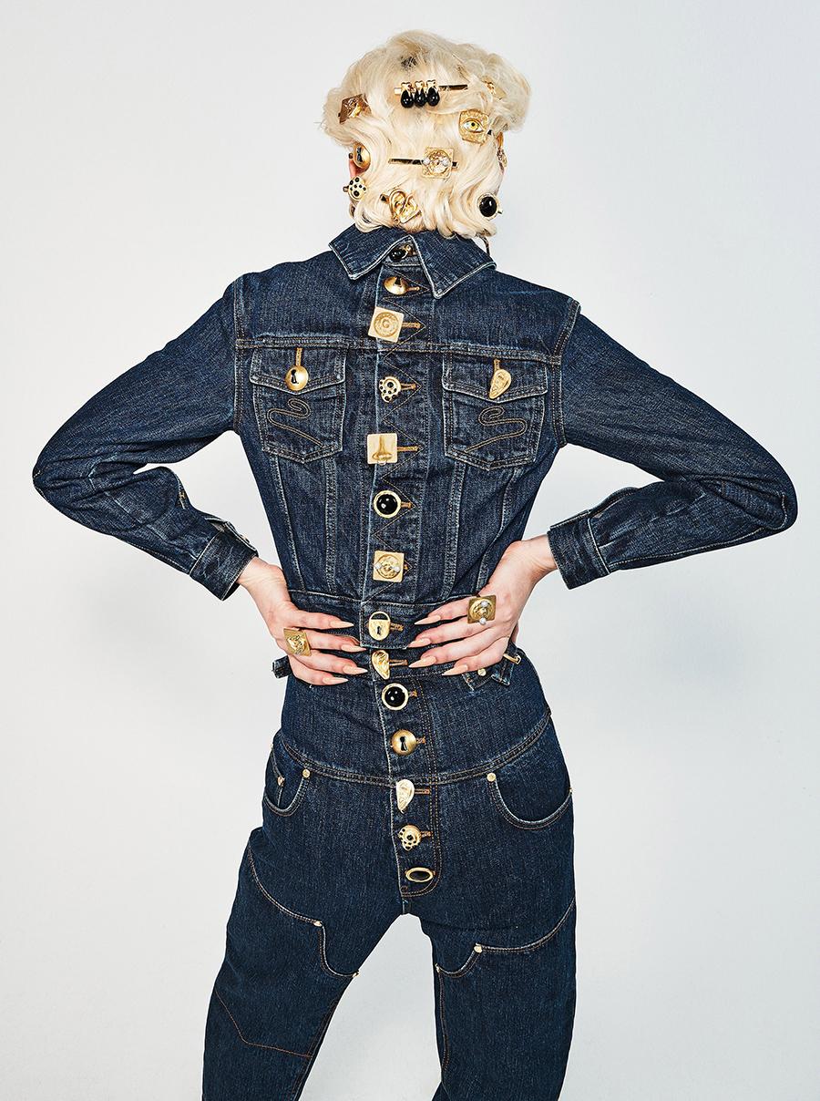 тренды осень зима 2021 2021 темно-синий сырой деним куртка джинсы золото
