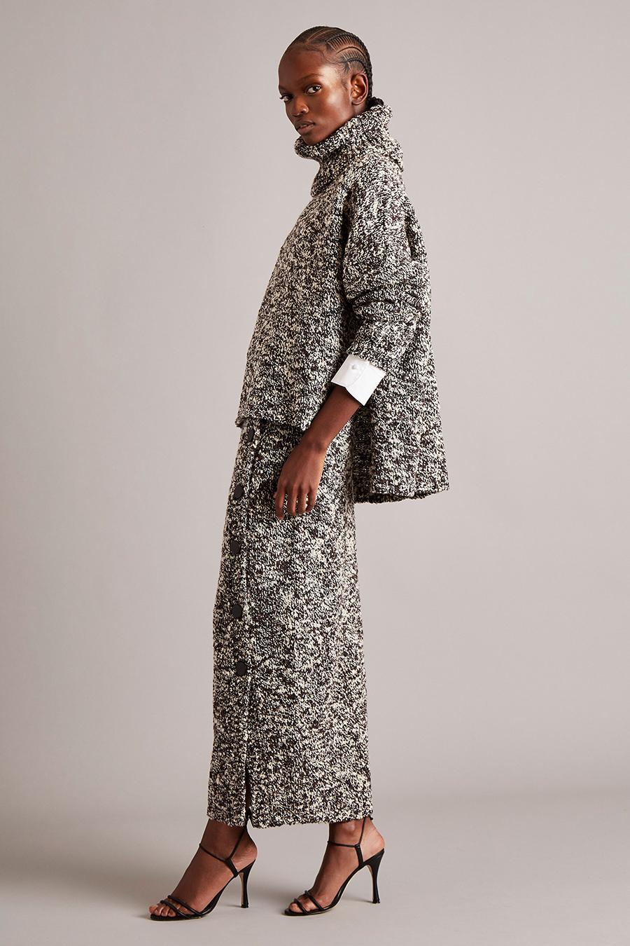 тренды осень зима 2021 2021 трикотаж вязаный костюм юбка свитер серый меланж макси разрез