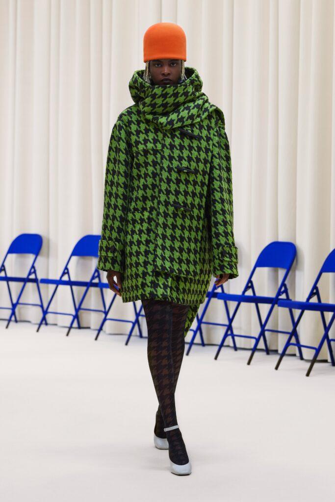 модное пальто осень 2021 принт миди мини зеленый черный гусиная лапка