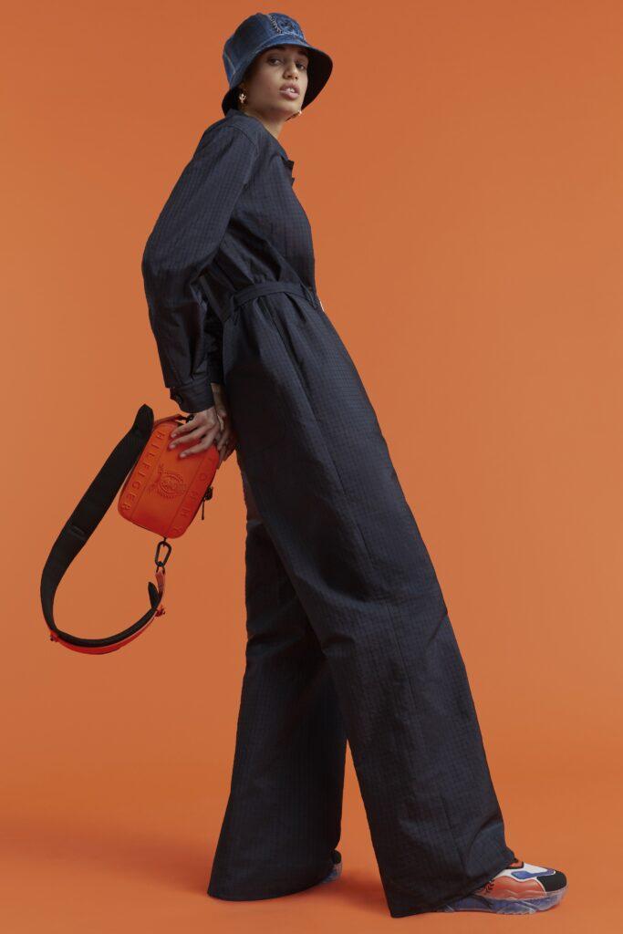 самый модный комбинезон осень зима 2021 2022 телый черный