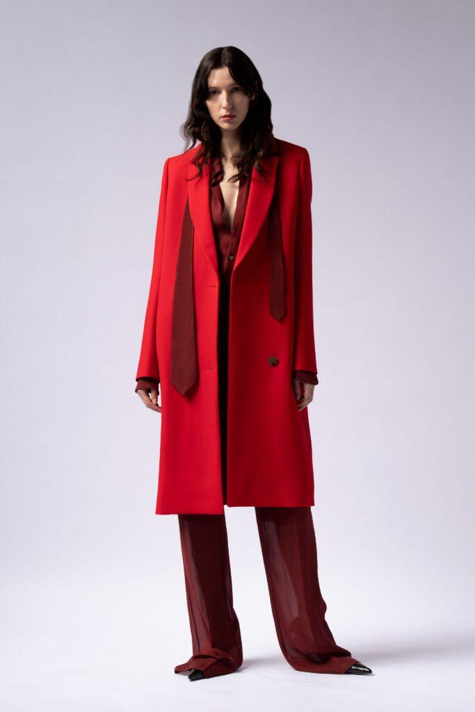 модное пальто осень 2021 миди красное приталенное