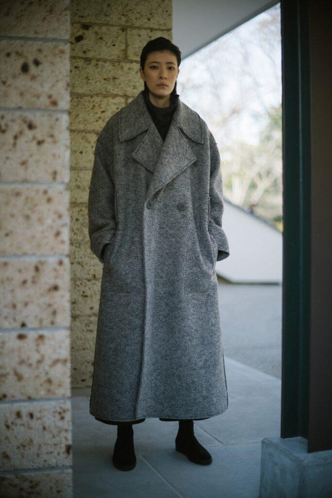 модное пальто осень 2021 оверсайз длинное макси серое