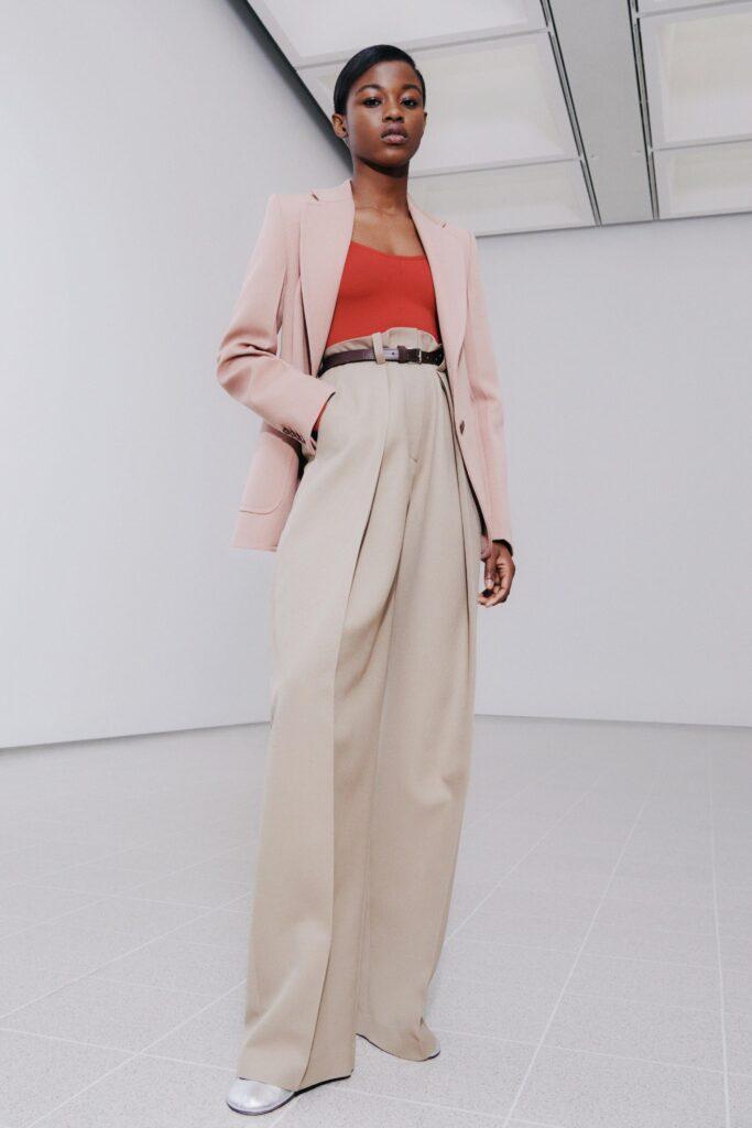 модные брюки широкие клеш оверсайз осень 2021 белые молочные