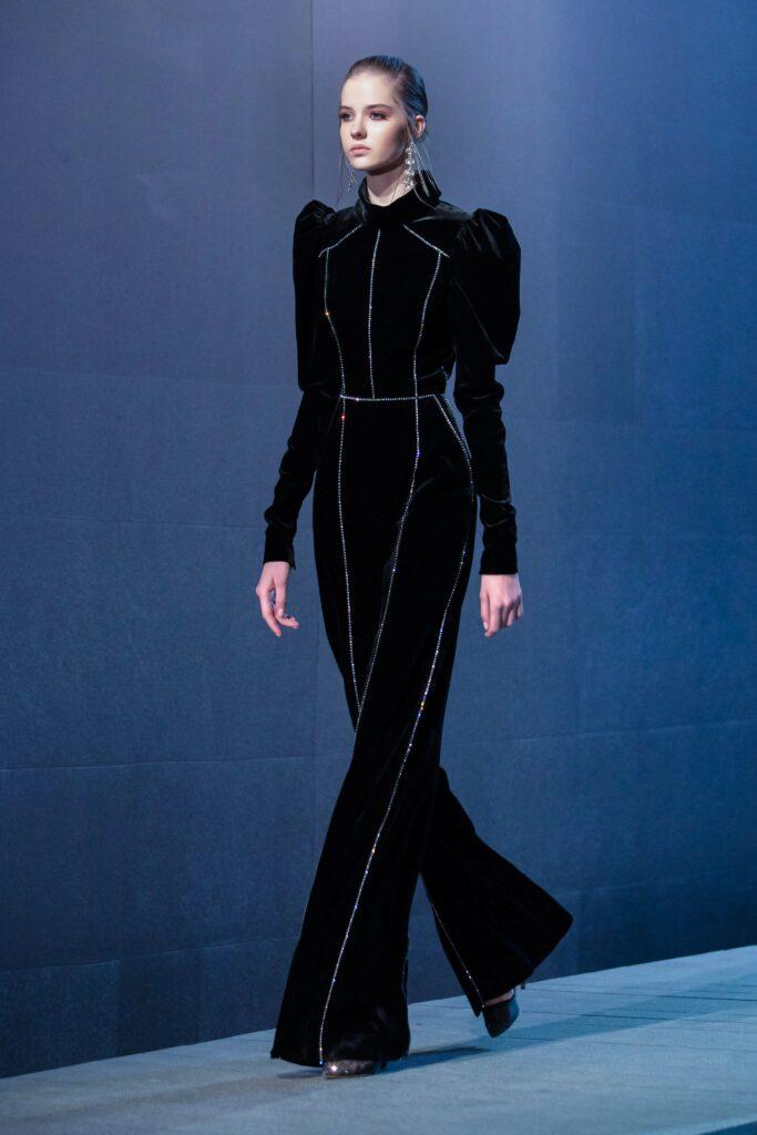 самый модный комбинезон осень зима 2021 2022 вечерний нарядный бархатный блестящий