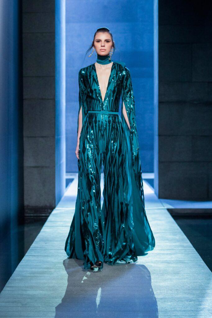 самый модный комбинезон осень зима 2021 2022 вечерний с блестками синий голубой морской волны