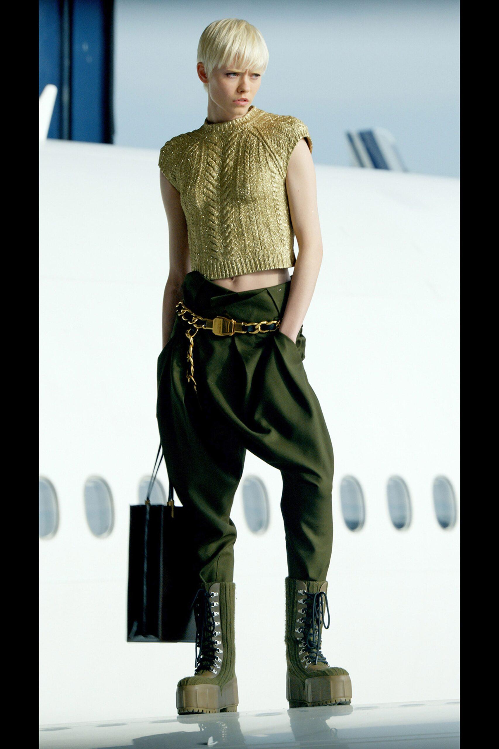 модные сапоги осень зима 2021 2022 армейские берцы на шнуровке зеленые хаки
