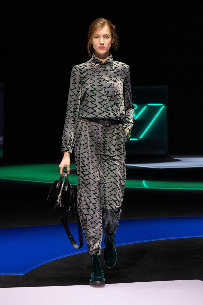 самый модный комбинезон осень зима 2021 2022 серый принты свободный