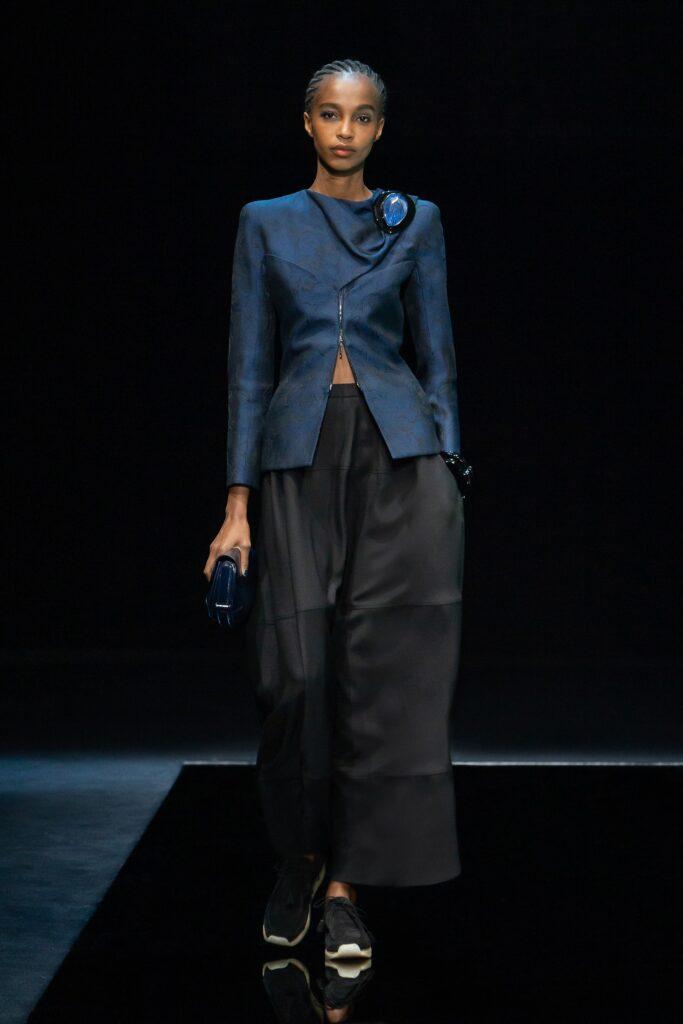 модные брюки широкие клеш оверсайз осень 2021 черные