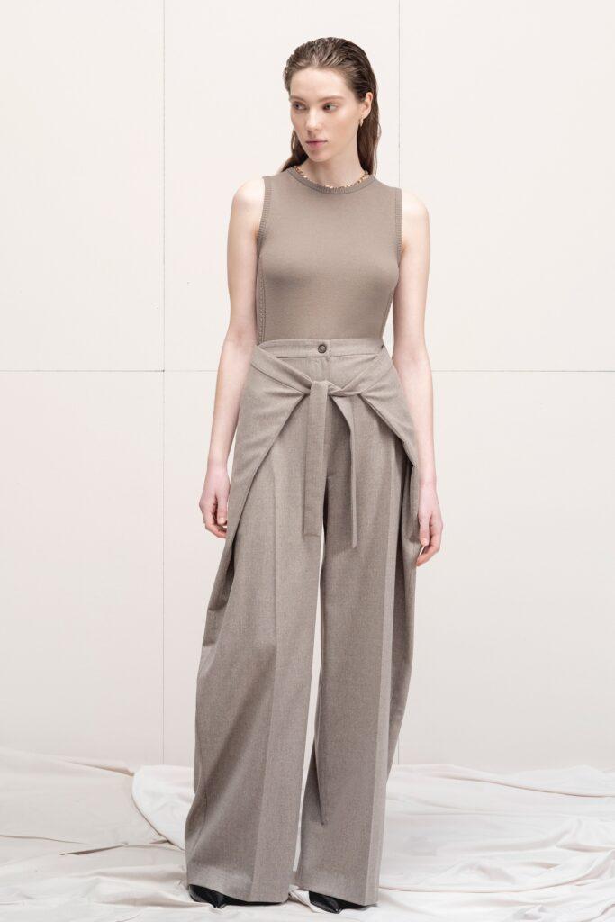 модные брюки широкие клеш оверсайз осень 2021 бежевые серые