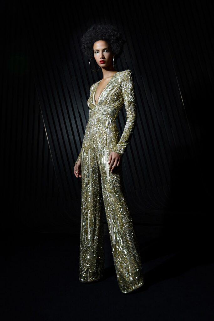 самый модный комбинезон осень зима 2021 2022 вечерний золотой пайетки