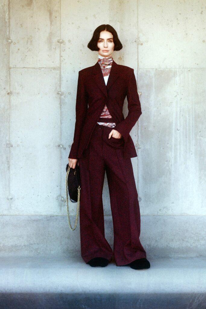 модные брюки широкие клеш оверсайз осень 2021 бордовые