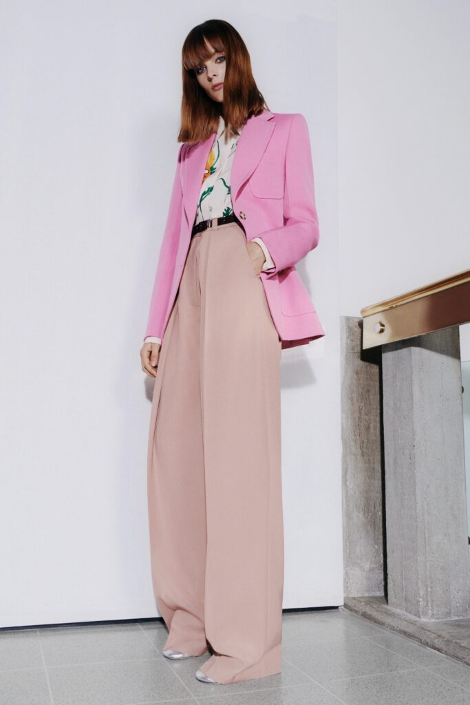 модные брюки широкие клеш оверсайз осень 2021 розовые пудровые