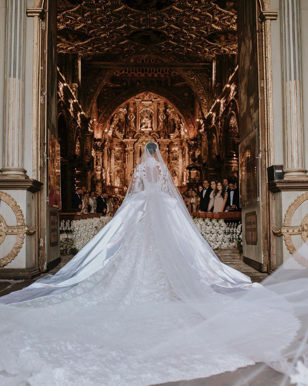 жасмин тукс свадьба платье кольцо тренды свадебные осень 2021 викториас сикрет ангел victoria's secret