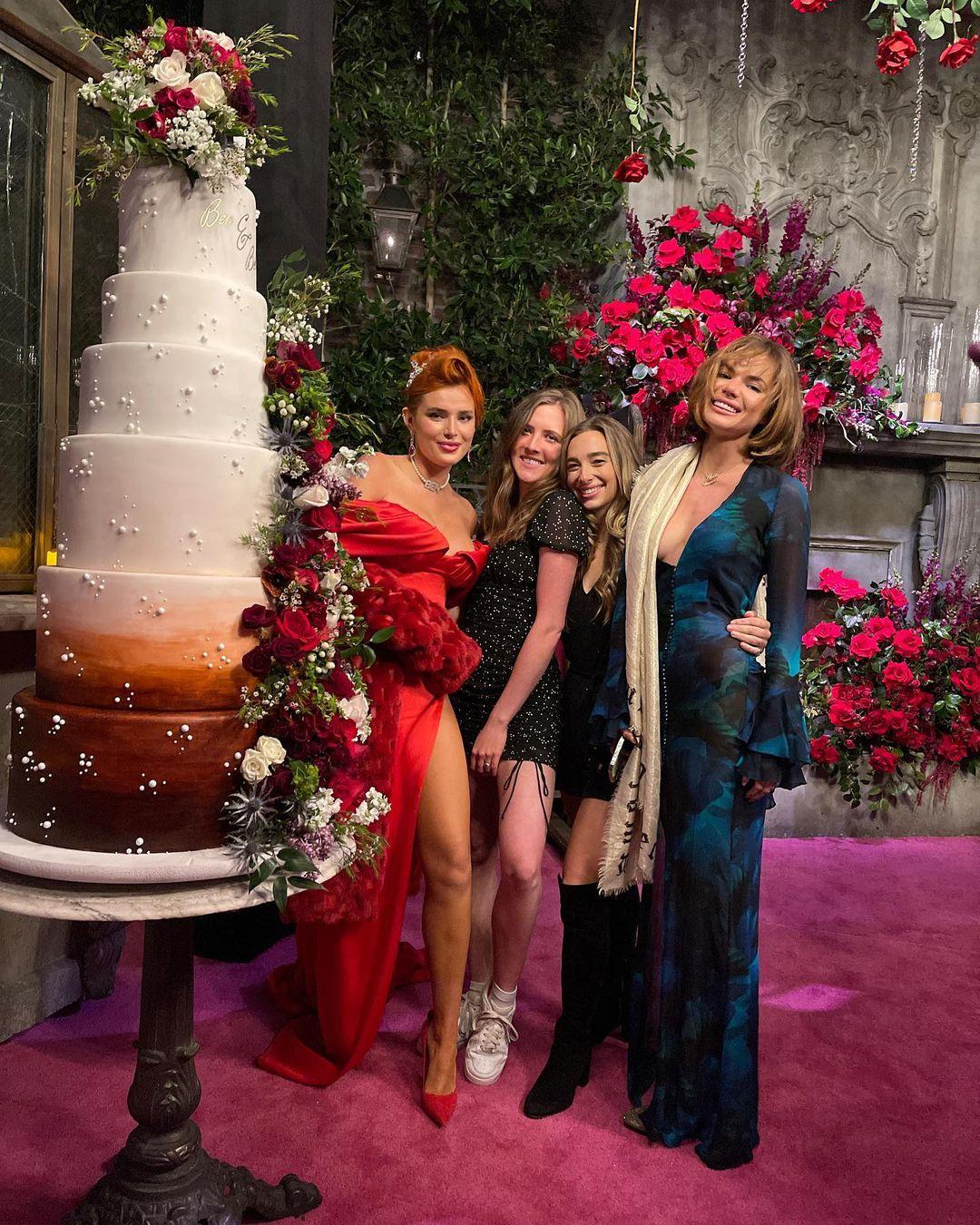белла торн помолвка выходит замуж кто жених