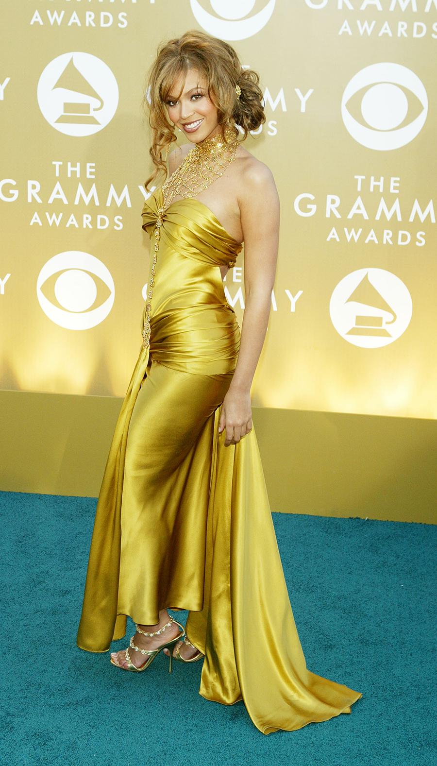 новости бейонсе день рождения самые красивые скандальные наряды платья красная дорожка