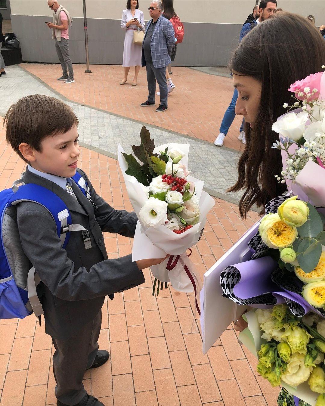 украинские звезды дети школа первое сентября в чем одеты