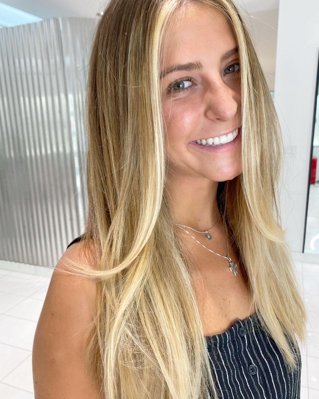 модное окрашивание осень 2021 для блондинок золотистый натуральный блонд
