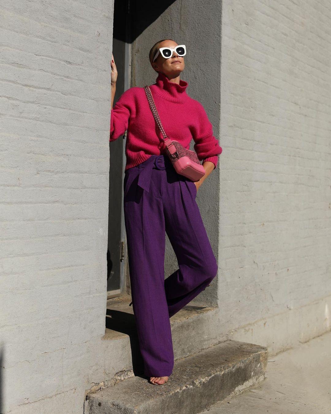 модный свитер осень зима 2021 2022 розовый