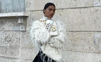 модный свитер оверсайз водолазка белый ажурный нарядный праздничный перья Тина Кунаки жена Венсан Кассель