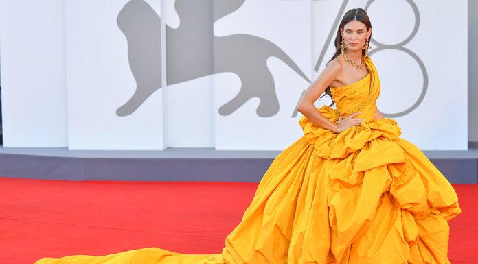 венецианский кинофестиваль звезды кто в чем платья красная дорожка открытие 2021