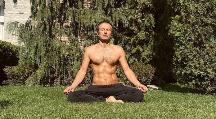 сватослав вакарчук океан ельзи тело йога пресс кубики сын