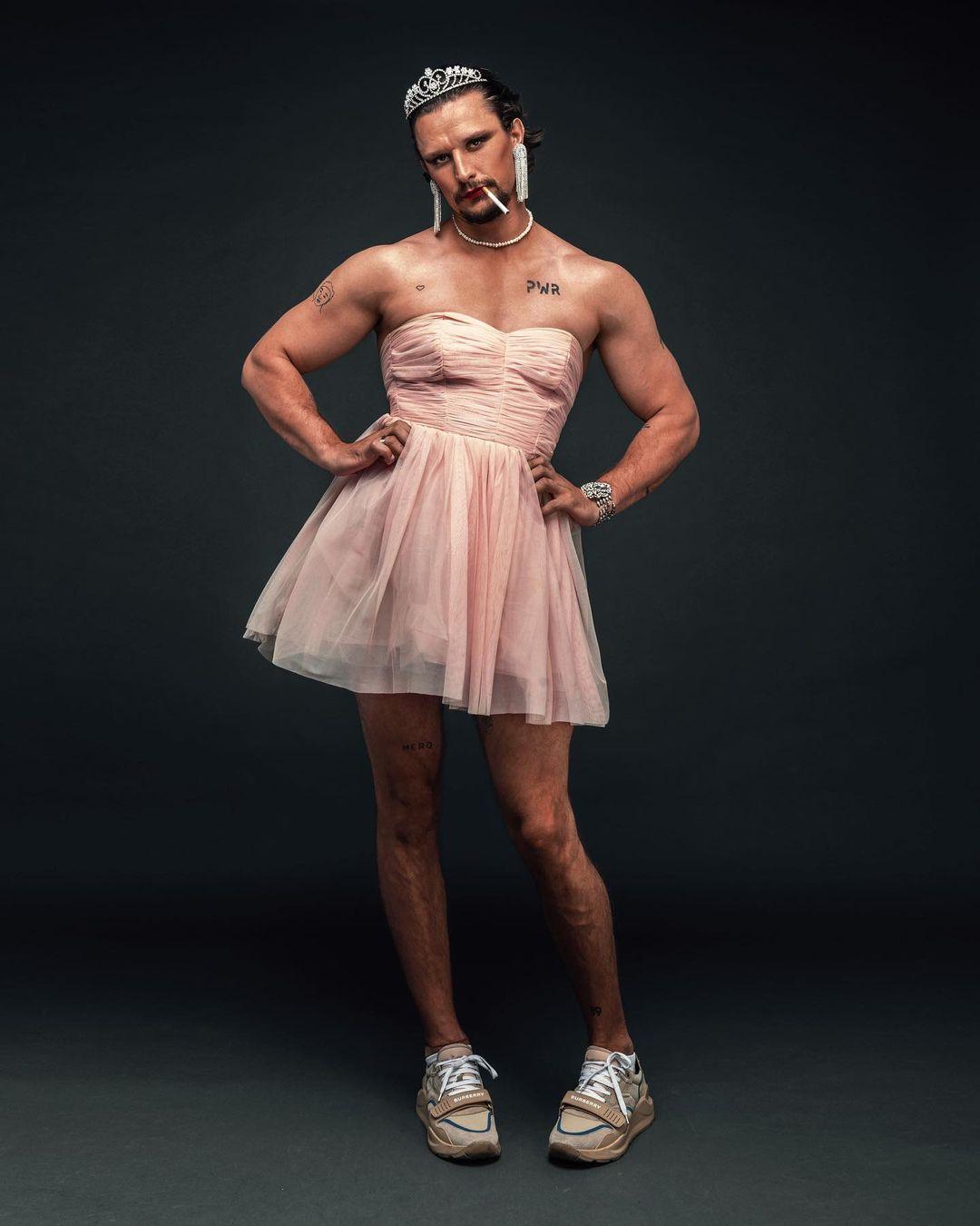 тарас цымбалюк крепостная в платье стильная эпатажная фотосессия
