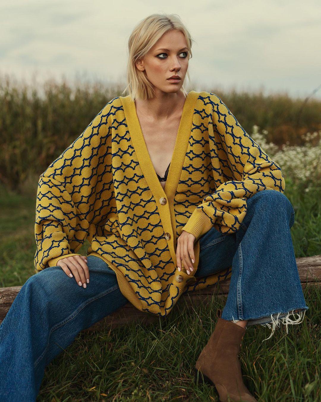 модный кардиган осень зима 2021 украинский бренд желтый оверсайз принт