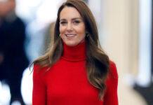 кейт миддлтон герцогиня кэтрин красный трикотажный костюм водолазка юбка плиссировка осень 2021 модный